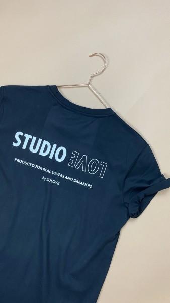 T-SHIRT STUDIO LOVE